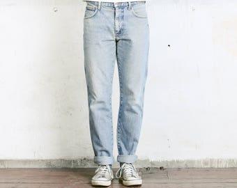 """Vintage Wrangler Straight Leg Size 33"""" Jeans . Tappered Worn In W33 Light Wash Stonewashed Denim Dad  Boyfriend Jeans"""
