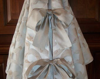 "52"" Cream Embossed Swirled Amazing Metallic Reversible Christmas Tree Skirt  2018 Collection"
