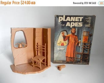 SALE - Vintage c.1974 Planet of the Apes Dr. Zira Model in Box - NOT COMPLETE