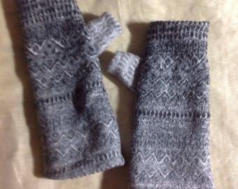 A7 gray merino wool felt Fingerless Gloves for unisex  knitted pattern gifts upcycled wool hand Sewn geometric knit pattern gloves on double