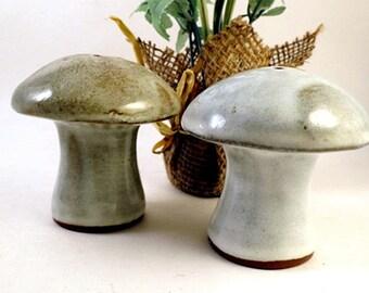 Vintage Japan Mushrooms Salt and Pepper Shakers by Takahashi Retro Ceramic
