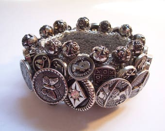 Vintage BUTTON BRACELET - Crocheted Button Bracelet - Silver Tone Buttons - Signed - No Damage - USA Shipped Insured - Will Ship Int'l