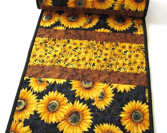 Table Runner, Sunflowers Table Runner, Quilted Table Runner, Handmade Table Runner, Home Decor, Floral Table Runner,