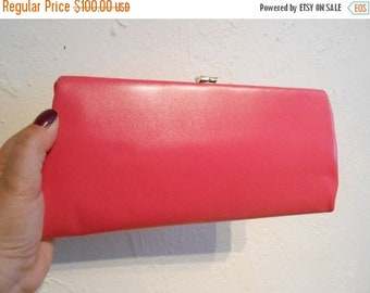 Anniversary Sale 35% Off Hotly Sweetly Hot Pinks - Vintage 1950s Schiaparelli Hot Pink Convertible Handbag/Clutch