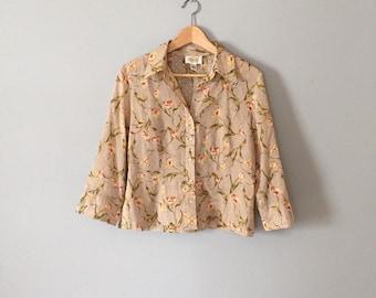 SALE...nude floral crop blouse | 90s button front cotton top