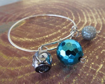 Adjustable Beaded Bangle Bracelet With Silver And Bright Blue Tones