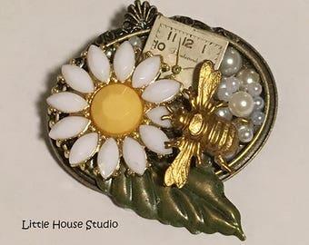 Brooch, Pin, Bee Brooch, Daisy Brooch, Watch Brooch, Assemblage Brooch, Bee Pin, Daisy Pin, Watch Pin, Brooch Pin, Brooch Vintage, Brooches