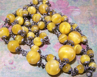 Art Deco Czech Yellow Art Glass Bead 30in Necklace, Silver Tone Wired Links Graduated Marbled Beads, Vintage Jewellery, 317
