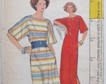 Very Easy Vogue 9456 Sewing Pattern - Bateau Neck Dress - Size 14, Bust 36 - UNCUT