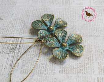Boho Patina Daisy Earrings, Artisan Daisy Earrings, Verdigris Flower Earrings, Patina Brass Flower Earrings, by MagpieMadness for Etsy