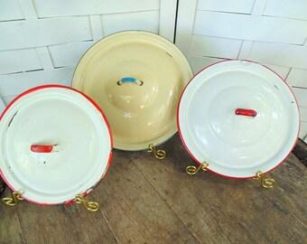 vintage. 1940s. 1950s. Enamel Pot Lids. Kitchen Pan Lid. Lot of 3. Lid Lot. Art Project. Kitchen Display. Stage Prop. Photo Shoot. Lid. lids