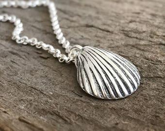 Silver Shell Necklace, Beach Jewelry, Tropical Jewelry, Seashell Charm, Beach Lover, Clam Shell, Bohemian Necklace, Bohemian Jewelry