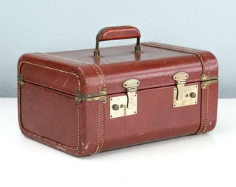 Vintage Brown Leather Train Case, Small Suitcase, Makeup Case, Cosmetic Case, Vintage Suitcase, Movie Prop