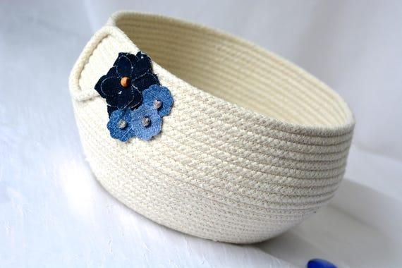 Minimalist Beige Bowl, Handmade Rope Basket, Modern Clothesline Basket, Lovely Candy Bowl,  hand coiled natural rope basket