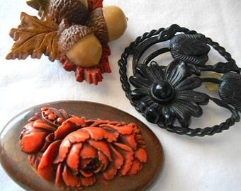 Vintage celluloid and plastic Brooch Collection Lot