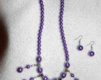 Stylish metallic plastic resin purple & silver beaded necklace and pierced earring set - gn19