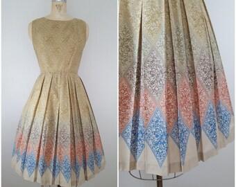 Vintage 1950s Dress / Cotton 50s Dress / Day Dress / Small