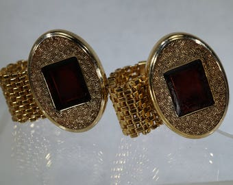 Vintage Hickok Gold tone Wrap-A-Round Cuff Links.