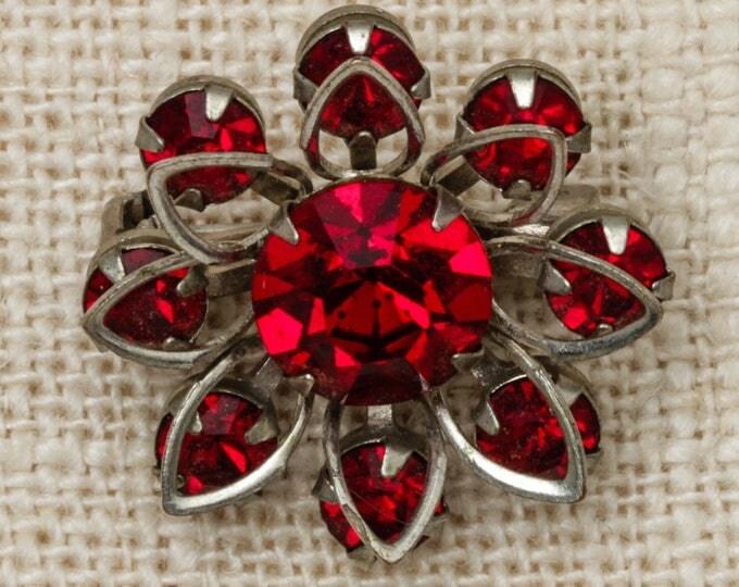 Red Rhinestone Flower Brooch Vintage Silver Broach Vtg Pin 7T