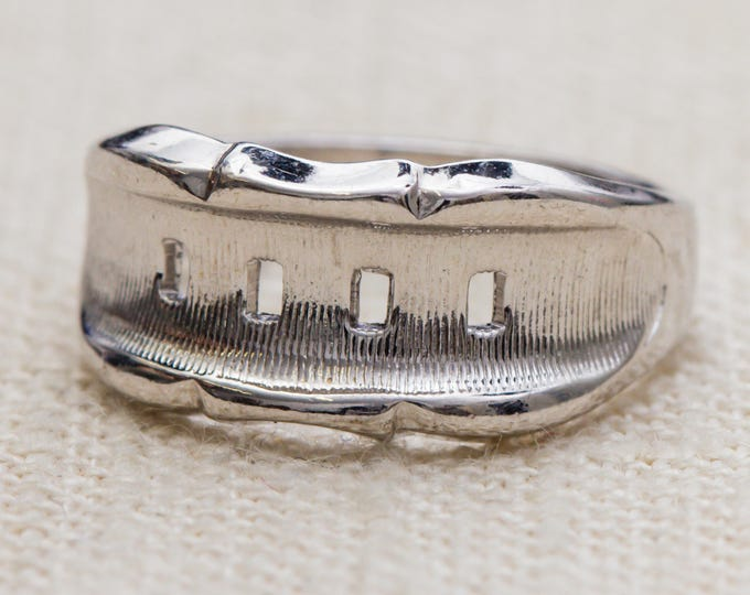Simple Silver Vintage Ring Etched and Shiny US Womens Size 7 7RI