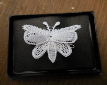 Vintage 1960s to 1970s White Lace Butterfly Pin/Brooch in it's own Box Retro Small Flying Insect