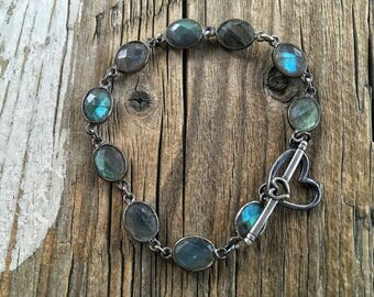 Bezeled Labradorite Oxidized Silver Bracelet, Layering Bracelet, Blue Flash Labradorite, Heart Toggle