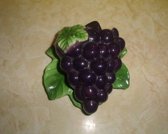 vintage lefton wall pocket planter hanging bunch grapes fruit