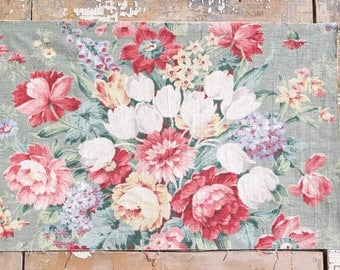Vintage 1930s Mid Century Vintage Fabric Floral Roses Decorative Throw Pillow Cover Cushion
