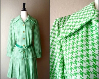 SALE Vintage lime green hounds tooth jacket / belted trench / vintage outerwear / pleated