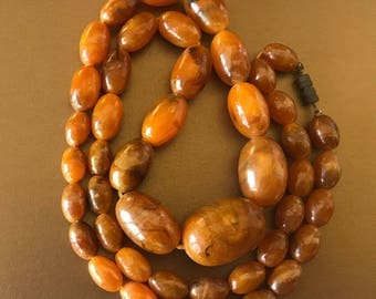 Vintage Classic Faux Amber Graduated Big Bead Lucite Necklace