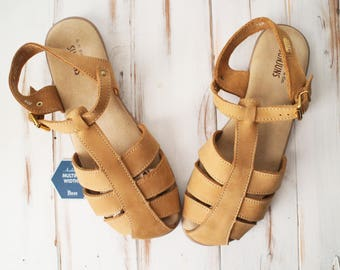 SIZE 9.5 New Old Stock Vintage GH Bass Tan Genuine Leather Fisherman Sandals Womens