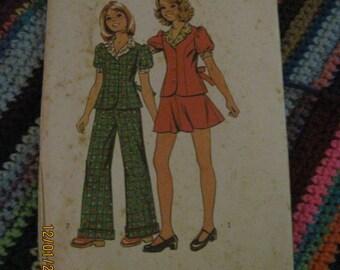 Vintage SIMPLICITY Pattern #5943...sz 10...Girls 2pc short dress & pant suit ...1973... #104...