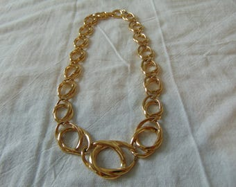 trifari necklace gold plated loop links signed vintage 16-1/2''