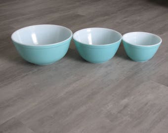 Vintage Turquoise PYREX Nesting Bowls - 401, 402 and 403