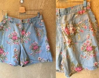 90's DENIM FLORAL High Waisted loose Liz Claiborne Grunge Shabby Chic Shorts