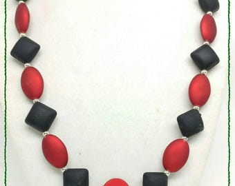 Red black necklace holiday gift idea Holiday party jewelry gift for women work jewelry statement necklace for her bridesmaid acrylic velvet