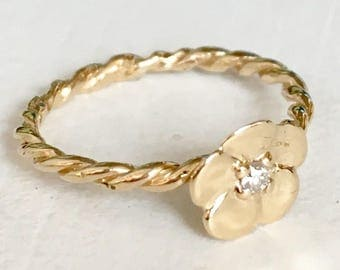 Lovely Detail 14k Yellow Gold Flower Diamond Engagement Ring Size 4.5