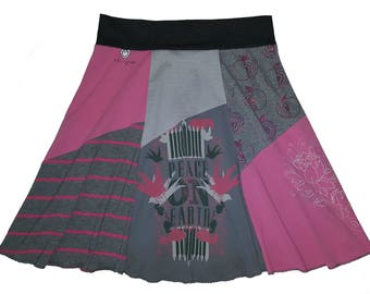 Holiday T-Shirt Skirt Size 16 18 Plus Size XL 1X Hippie Skirt Women's upcycled clothing Repurposed Skirt Twinkle Skirts from Twinklewear