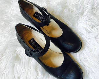 Kenneth Cole Black Leather Mary Janes Sz 5.5