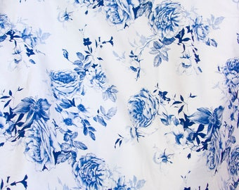 """Williams Sonoma blue and white floral tablecloth 70"""" x 70"""""""