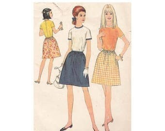 On Sale A Line Drawstring Skirt and Top Vintage McCalls Sewing Pattern 9131 Size 9 Bust 32 Unmounted Sleeve