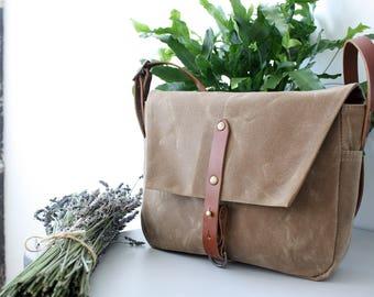 Mills Messenger Bag in Desert, Waxed Canvas Messenger Bag, Cross body Purse