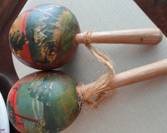 D186)  Vintage Puerto Rico Hand made Large Maracas Gourd Shaker percussion