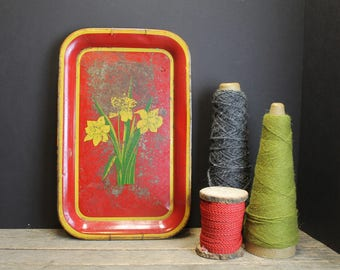 Vintage Red Metal Tray With Yellow Daffodils // Wallhanging // Rustic // Perfectly Shabby Chic