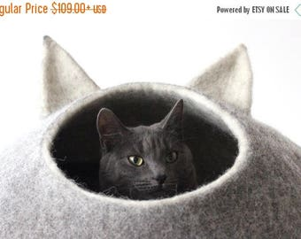 Pet gift - pet bed - Cat bed - cat cave - cat house - eco-friendly handmade felted wool cat bed - natural grey and natural light