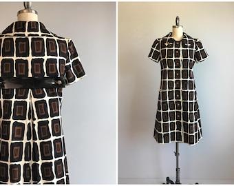 Vintage 60s Dress / 1960s Mod Cotton Matelasse' Graphic Print Shirt Dress / 60s Mini Dress Made in France