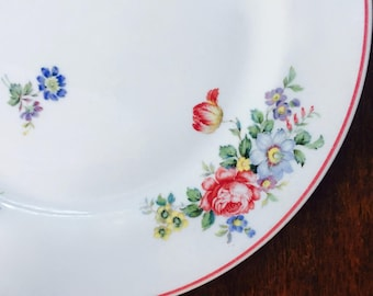 Dinner Plate White with Scattered Roses, Pasadena by Shenango China ca. 1959