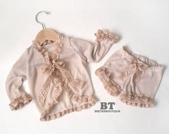 Newborn to 24M - Vintage lace Ruffle Cardigan and Bloomer - Newborn Photography Props