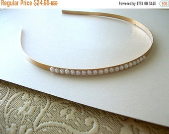 SUMMER SALE Timeless Headband White Ivory Aurora Borealis Faux Pearl Detailed Vintage Brass Toned Metal Headband Vintage Style Antique Gold
