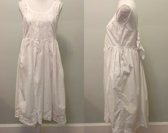 80's flowy white dress with lacy details and forgiving fit